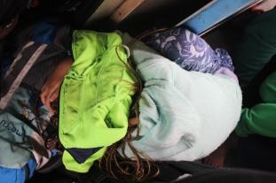 Ein kleines Nickerchen im Zug